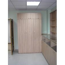 Шкаф трехстворчатый комбинированный с антресолью