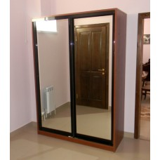 Шкаф - купе под заказ (двери зеркало)